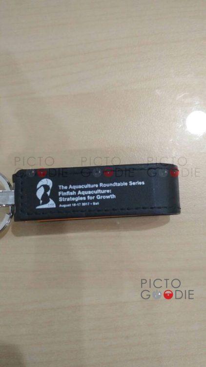 Contoh Flashdisk Kulit Premium