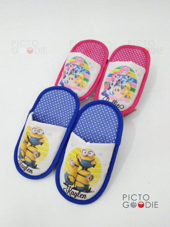 Sandal Anak - Tema Minion